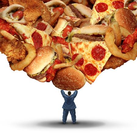 gesundheit: Diät Herausforderung Gesundheitskonzept mit einer übergewichtigen Person, die eine Gruppe von ungesunden Fett Fast-Food als Gesundheitsrisiko Symbol der schlechten Ernährung und Risiko von Herzerkrankungen