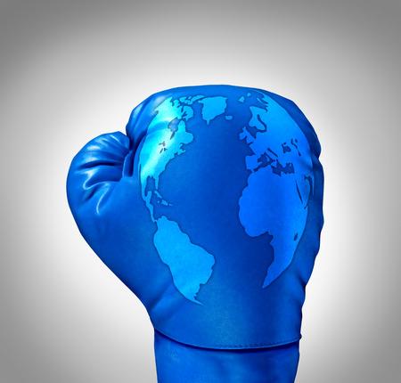 competitividad: La competencia global y competir a nivel mundial como un concepto de negocio con un guante de boxeo de cuero azul con un mapa del mundo incorporada en la textura como símbolo y metáfora de la lucha contra los desafíos internacionales