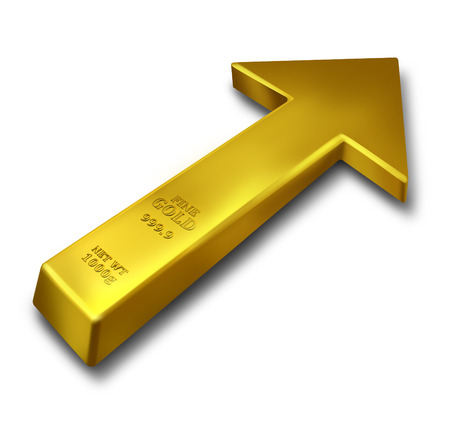 commodities: Concepto de negocio subida del oro y de precios de materias primas incremento s�mbolo como una barra de metal precioso de color amarillo en forma de objeto como una flecha hacia arriba sobre un fondo blanco Foto de archivo