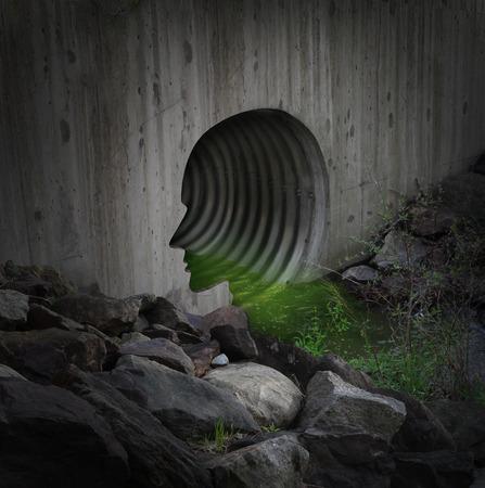 desechos toxicos: Comunity contaminada y el concepto de agua contaminada como un tubo exterior ciudad en forma de una cabeza humana la liberación de sustancias tóxicas en el medio ambiente frágil como un símbolo para vertedero de residuos industriales ilegal y peligros ambientales