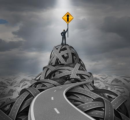 Dirección concepto de liderazgo como un hombre de negocios de pie en una montaña de caminos enredados que soporta una señal de tráfico con una flecha hacia arriba, como una metáfora de éxito y el símbolo de orientación financiera y la visión clara de un gerente experto confía