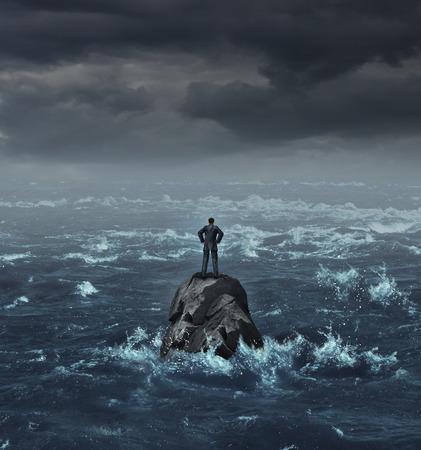 Stranded Geschäftsmann auf dem Meer verloren, die auf einer isolierten Fels als Business-Konzept für die finanzielle Verzweiflung oder verloren und benötigen Karriere oder finanzielle Hilfe, um die Krise zu entkommen