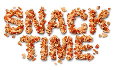treats: Snack concetto di tempo con un gruppo di partito spuntini salati a forma di lettere come simbolo di prelibatezze alimentari grassi per guardare la TV