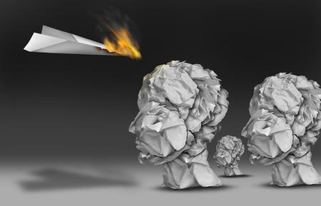 papeles oficina: Comercializaci�n comunicaci�n viral y propaganda concepto como un avi�n de papel ardiendo en llamas como un grupo de audiencia de cabezas humanas hechas de papel de oficina arrugados.