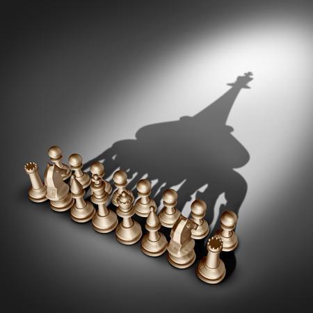 liderazgo empresarial: El liderazgo y la visión de la empresa de gestión de equipo como un concepto de grupo de negocios con piezas de juego de ajedrez de unirse y trabajar juntos unidos y como uno de acuerdo para emitir una forma como líder rey sombra.