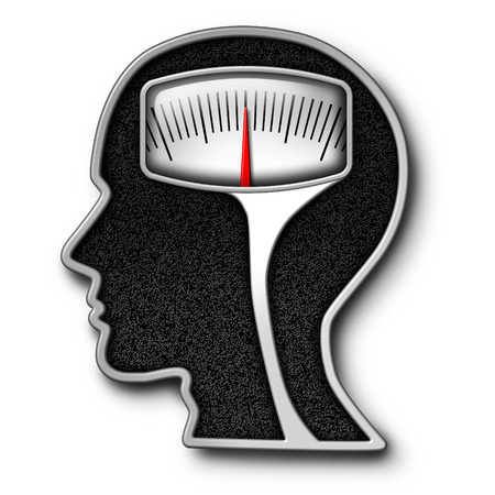 psicologia: Concepto de la dieta la psicolog�a como una escala de peso en forma de una cabeza humana como s�mbolo de los problemas alimentarios y la obsesi�n de contar calor�as con un equipo kilogramo o medici�n libras. Foto de archivo