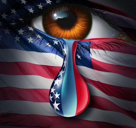 Amerikaanse sociale crisis en verdriet of geweld in de Verenigde Staten concept een menselijk oog met een Amerikaanse vlag huilen een traan van verdriet met de sterren en strepen in de vloeistof druppel als een metafoor voor de gemeenschap lijden en een symbool voor hoop. Stockfoto