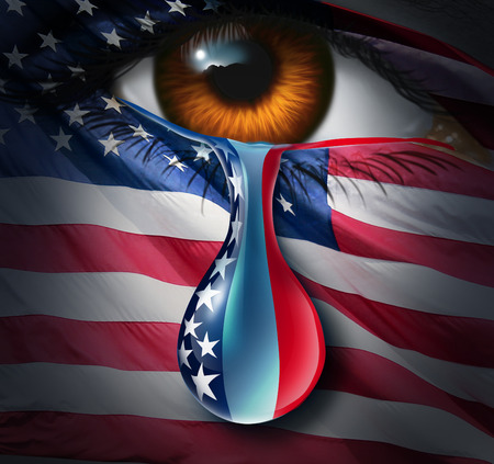 violencia: Crisis social de América y el dolor o la violencia en el concepto de Estados Unidos como un ojo humano con una bandera de Estados Unidos de llorar una lágrima de tristeza con las barras y estrellas de la gota líquida como una metáfora para el sufrimiento de la comunidad y un símbolo de esperanza. Foto de archivo