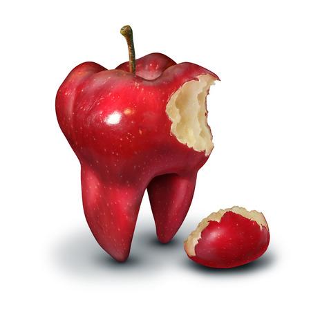 Concepto de pérdida de dientes como en forma de un molar humano con una mordida fuera de ella como un icono para la salud humana y los dientes higiene bucal o metáfora servicio de odontología en un fondo blanco manzana roja.