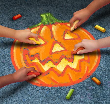pumpkin: Los ni�os de Halloween dibujo de una calabaza de la linterna del enchufe o con tiza en la acera al aire libre como festivo s�mbolo de la temporada de oto�o para la participaci�n comunitaria en actividades divertidas. Foto de archivo