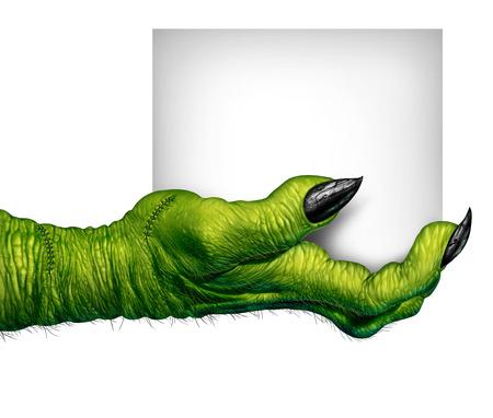 manos sucias: Monster mano que sostiene un signo como los dedos de zombies con la tarjeta en blanco como un Halloween espeluznante o s�mbolo de miedo con la piel verde de textura arrugada dedos de miedo y puntos aislados en un fondo blanco