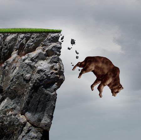 desconfianza: La caída de negocio deterioro financiero mercado a la baja y la caída de la financiación de concepto de perder la inversión y el valor de tomar un vuelo en picada como un oso en una caída libre de buceo de un acantilado como un icono de la baja en un colapso financiero y la crisis del mercado de valores.