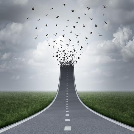 bandada pajaros: Conducir concepto de libertad como una carretera o autopista subiendo y se transformó en aves volando como una metáfora para el éxito del negocio o la motivación vida como un camino hacia la libertad o el cielo.