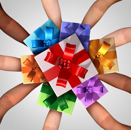 aniversario de boda: Las personas que dan el concepto de regalos como un grupo de diversos brazos sostiene un manojo de vacaciones decoradas regalos de Navidad como un símbolo de temporada festiva de celebración de invierno y el espíritu de dar y compartir durante el Año Nuevo.