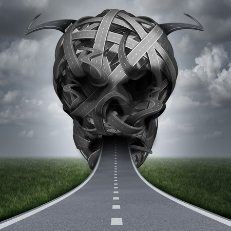gevaar speeding overtreding of rijden dronken en onder invloed van drugs of in slaap vallen op de snelweg als de veiligheid op straat concept met een pad in de vorm van een een kwaad menselijke schedel.