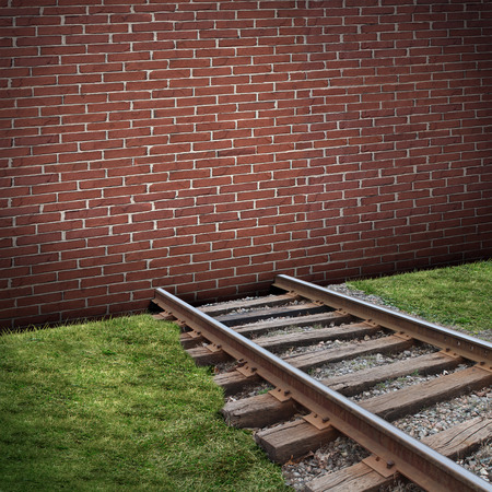 道路ブロックまたは障害概念閉じたレンガ壁バリケード ブロックとして電車をビジネスや人生として追跡終了制限または禁止記号のための隠喩。