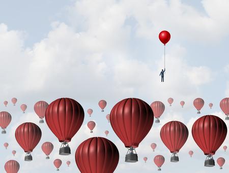 productividad: Aumentar la eficiencia y mejorar el rendimiento concepto de negocio como un hombre de negocios que sostiene un globo que lleva la carrera hacia la parte superior contra un grupo de airballoons calientes lentos mediante el uso de una estrategia ganadora bajo costo.