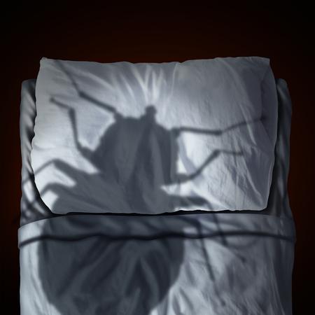 Bed bug paura o cimice concetto di preoccupazione come un'ombra di aa parassita del parassita di insetto che riposa su un cuscino e lenzuola come simbolo e metafora per l'orrore l'ansia e il pericolo di un parassita succhiasangue che vive all'interno del vostro materasso.