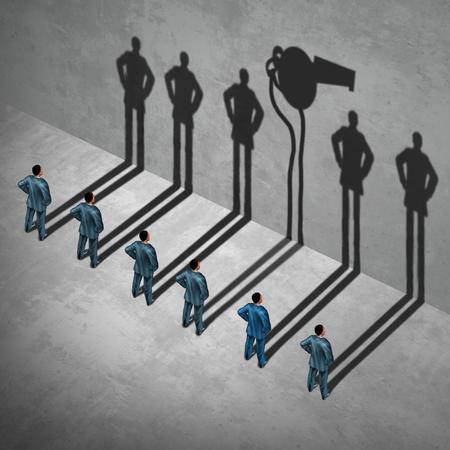 dénonciateurs ou concept de dénonciateur comme un symbole d'un agent informateur secret, se présentant comme un employé avec son ombre portée d'un sifflet comme une métaphore pour infoermation l'intérieur sur l'inconduite dans un style d'illustration 3D.