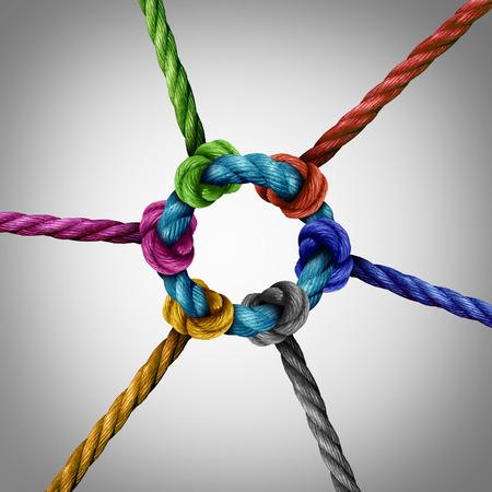 Zentrale Netzwerkverbindung Business-Konzept als eine Gruppe von verschiedenen Seile zu einem Kreis zentralen Seil als Netzwerk-Metapher verbunden für die Konnektivität und die Verknüpfung zu einer zentralen Trägerstruktur.