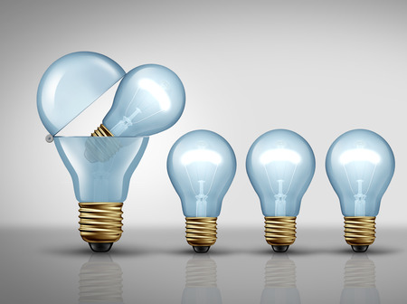 schöpfung: Produktivität Konzept und fruchtbaren Phantasie Geschäft Symbol als eine offene Glühbirne oder Glühbirne zu schaffen kleinere Lichter als fruchtbarer Ideenentwicklung Metapher oder clever Fertigungsstrategie Symbol als 3D-Darstellung. Lizenzfreie Bilder