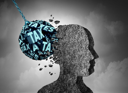 Belasting pijn en financiele kosten hoofdpijn als tekst vormig als een wrecking ball beschadigen van een menselijk hoofd van beton als een financiële en zakelijke metafoor voor budget schuld management stress met 3D-illustratie elementen.