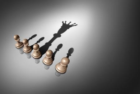 Concepto de líder y liderazgo como un grupo de piezas de peón de ajedrez con una pieza proyectando una sombra de un rey como metáfora de potencial como un render 3D.