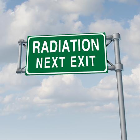 放射線危機概念と毒性核漏れ警告シンボル 3 D 図の要素を持つ。