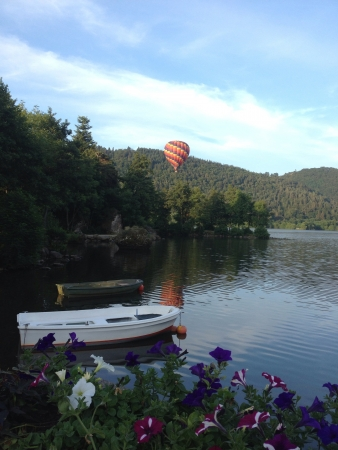 lac: Colorful balloon over Lac Chambon.