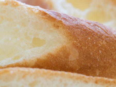 frans brood: Slice van heerlijke Franse brood Stockfoto