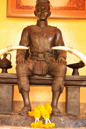generality: The monument of King Generality in thailand, any kind of art decorated in Buddhist church, temple pavilion, temple hall, monk