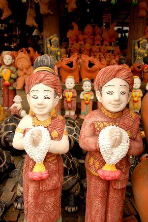 moulded: el arte de la gente de tailandeses de la figura moldeada