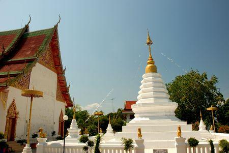 moulded: figura moldeada en templo de Tailandia
