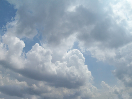 Clouds in the blue sky. Nature photography 免版税图像