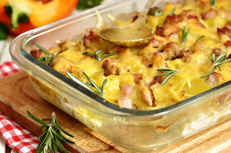 Tartiflette-casserole from potato,cheese,onion and bacon.Traditional french cuisine. Banque d'images