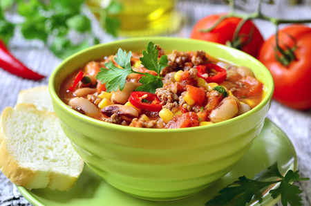 Chili con carne - traditioneel gerecht van Mexicaanse gerechten. Stockfoto