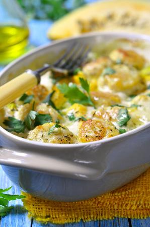 calabaza: alb�ndigas de pollo al horno con calabaza en salsa de leche.