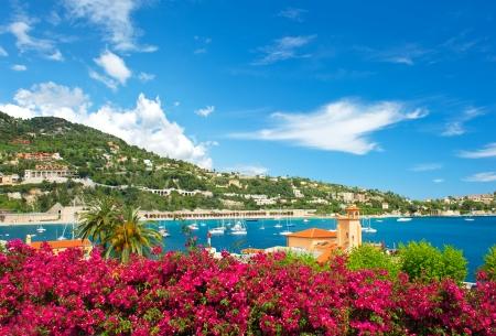 hermoso paisaje mediterráneo riviera francés, cerca de Niza y Mónaco