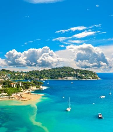 frans: uitzicht op luxe resort en de baai van Cote d