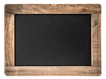 chalkboard: tableau noir vintage avec cadre en bois isolé sur fond blanc tableau avec la place pour votre texte