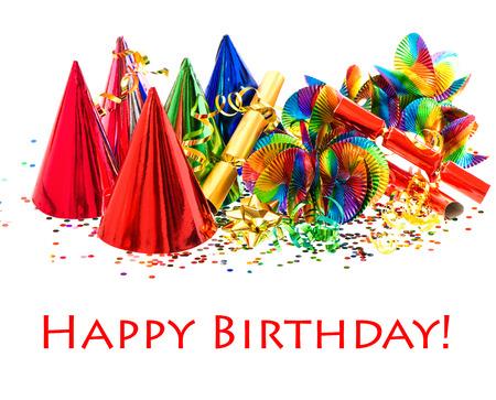 joyeux anniversaire: guirlandes colorées, banderoles, chapeaux de fête et de confettis de fête décoration fond avec le texte de l'échantillon Joyeux anniversaire