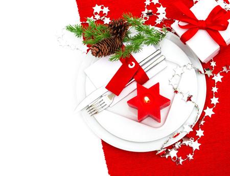 diner aux chandelles: f�te no�l endroit de table param�tre d�coration rouge et argent. d�ner l�ger bougie. vacances fond