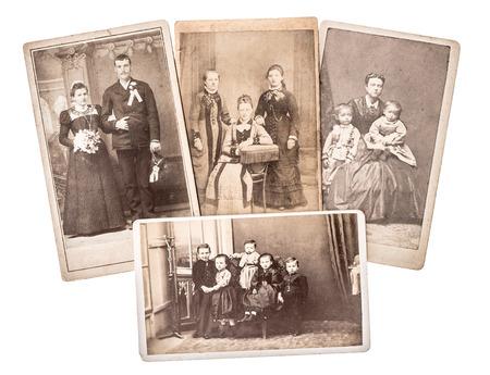 grupo de familiares y fotos de la boda del vintage circa 1880-1900. fotos sentimentales nostálgicos en el fondo blanco Foto de archivo