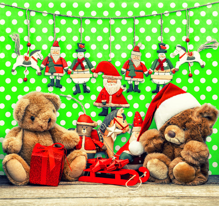 teddy wreath: vintage christmas decoration with antique toys.