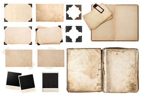 골동품 책, 흰색 배경에 고립 된 모서리, 테이프 및 프레임, 사진 판지, 인스턴트 사진 폴라로이드 엽서 빈티지 종이 카드