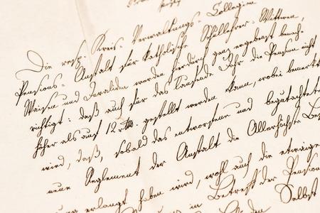 cartas antiguas: Vieja carta con el texto escrito a mano indefinido. Grunge papel textura vintage fondo Foto de archivo