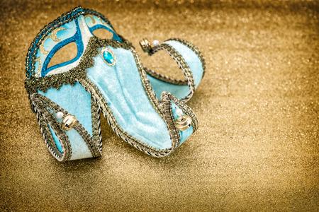 arlecchino: Maschera di carnevale arlecchino. Martedì grasso. Festival di Venezia. Stile vintage tonica