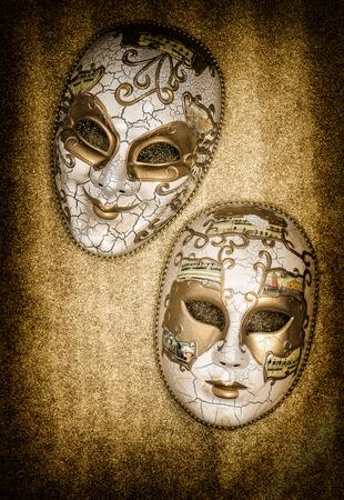 arlecchino: Maschera di carnevale arlecchino. Martedì grasso. Vacanze di fondo. concetto di carta maschera veneziana Archivio Fotografico