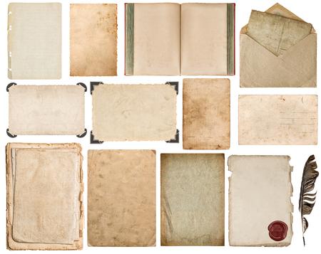 libros antiguos: Hoja de papel, libros, sobres, cart�n, marco de fotos con la esquina aislada en el fondo blanco Foto de archivo