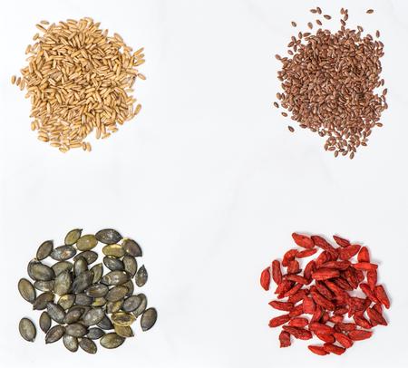 pumpkin seed: Goji berries, oats, linseed and pumpkin seed.